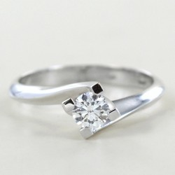Anello Solitario in oro con diamante ct. 0.30 G collezione Marilyn 00227