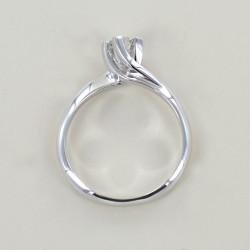 Mittlerer Solitärring mit Valentine-Diamant 0,26 Karat 00228