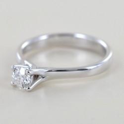 Anello Solitario Certificato GIA diamante ct. 0.40 F color 00234
