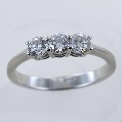 Anello Trilogy medio con diamanti oltre mezzo carato 0.60 ct 00247