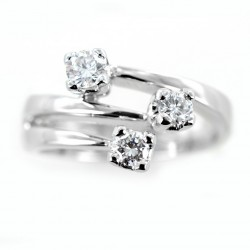 Dreistieliger versetzter Fantasy-Trilogie-Ring mit Diamanten 0,26 00254