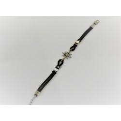Bracelet en caoutchouc noir et le gouvernail argent 925