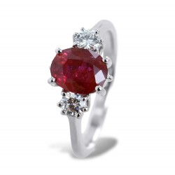 Central Ruby and side diamonds ring - Large Ruby 00274