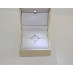 Solitaire ring aus weißgold 18 kt und diamanten 0,11 ct