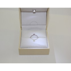 Anello Solitario in oro bianco 18 kt e diamante 0,11 ct