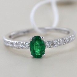 Half carat emerald solitaire ring with diamonds on the stem 00277