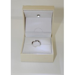Solitaire ring in white gold 18 kt and diamond