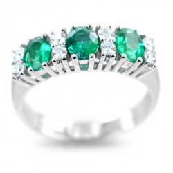 Ring with Emeralds and Diamonds alternating in band 00289