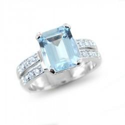 Goldring mit rechteckigem Aquamarin ct. 2,99 und Diamanten am Stiel 00324