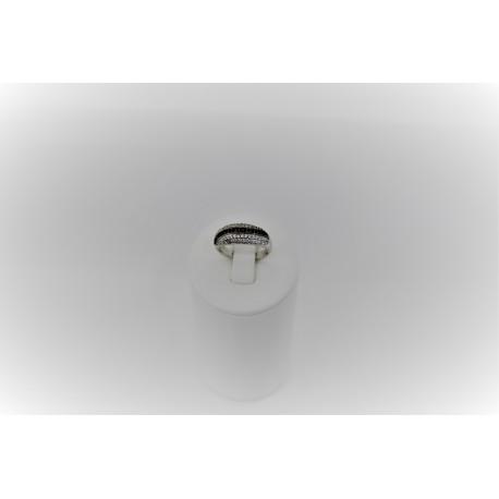 Ring mit zirkonia schwarz und weiß