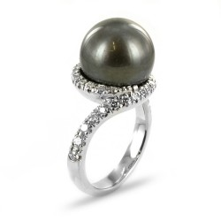 Ring with black Tahitian pearl and diamonds 00352