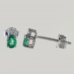 Emerald and small diamond earrings collection 00360