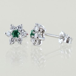 Star earrings in gold and diamonds with emeralds ct. 0.17 00404