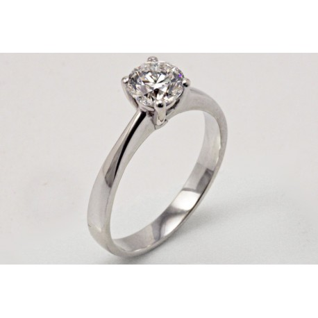 18 kt white gold solitaire ring 0.80 ct
